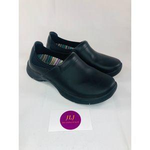 Dansko Slip Resistant Enya Clog Size 38
